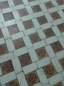 Paviment de gres Nolla a la Casa Segarra de Barcelona.