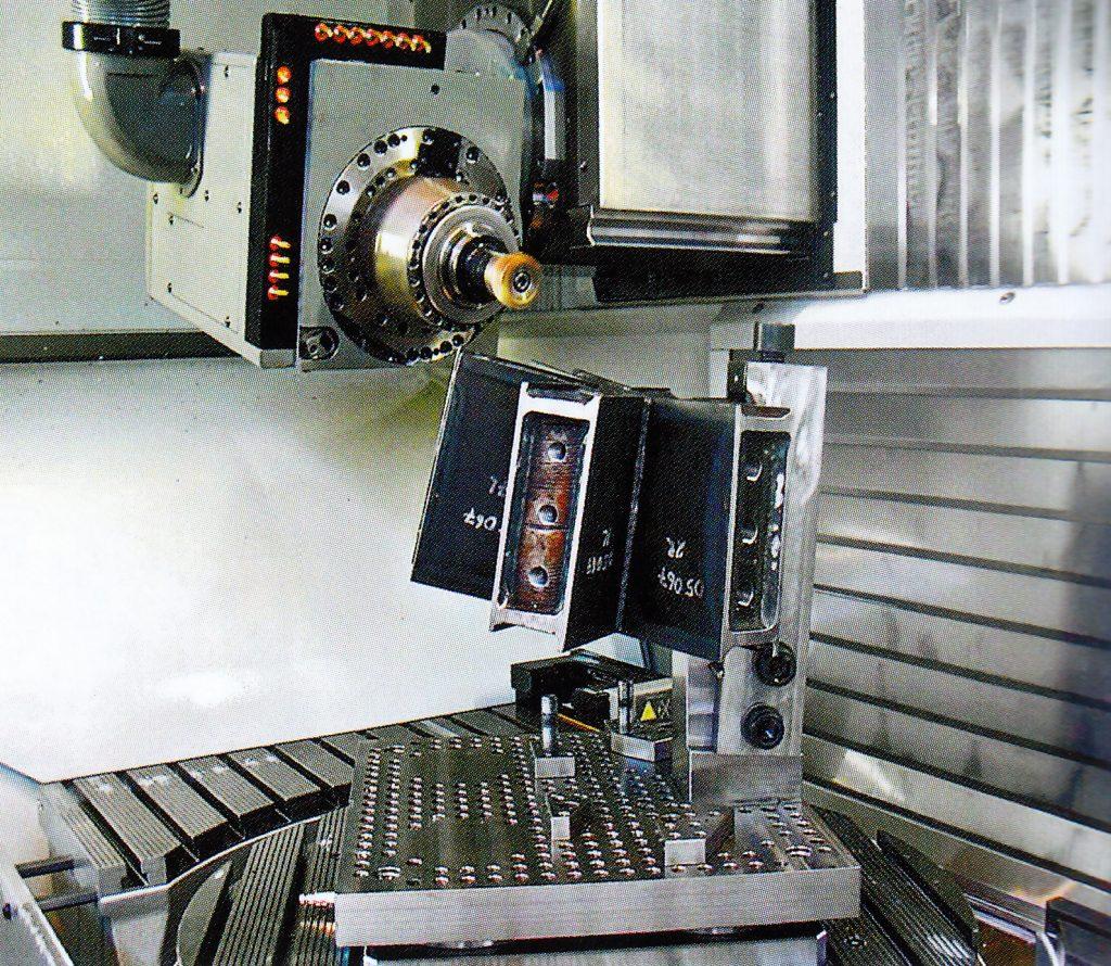 Fabricació i muntatge de nusos pel projecte de Westfield, Londres 2008.